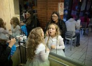 Many parents have been researching and reading rules for eating in restaurants with young children, but an Italian restauranteur, Antonio Ferrari, has been inspired to implement an effective rule to reining in rowdy children in public restaurants: reward diners with well-behaved children with 5% discounts.