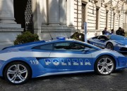 A new Lamborghini Huracan Polizia joins the Italian Highway Patrol.
