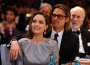 Angelina Jolie is reportedly overwhelmed with her current situation that she is putting her divorce with husband Brad Pitt on hold to talk about things.