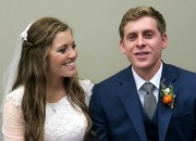 Both the fans and the family members of the Duggars expressed their worries about Joy-Anna getting married to Austin Forsyth at a young age. Meanwhile, Joseph Duggar and Kendra Caldwell's wedding registry was revealed and the couple is apparently tying the knot in October.